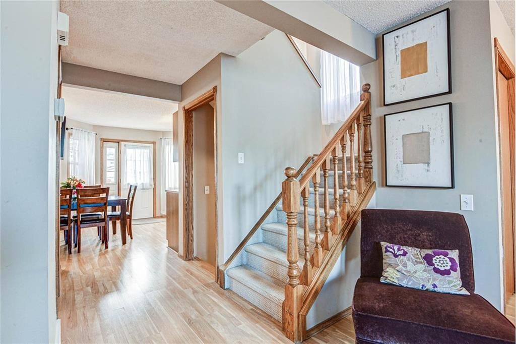 Photo 5: Photos: 62 RIVERCREST Circle SE in Calgary: Riverbend Detached for sale : MLS®# C4273736