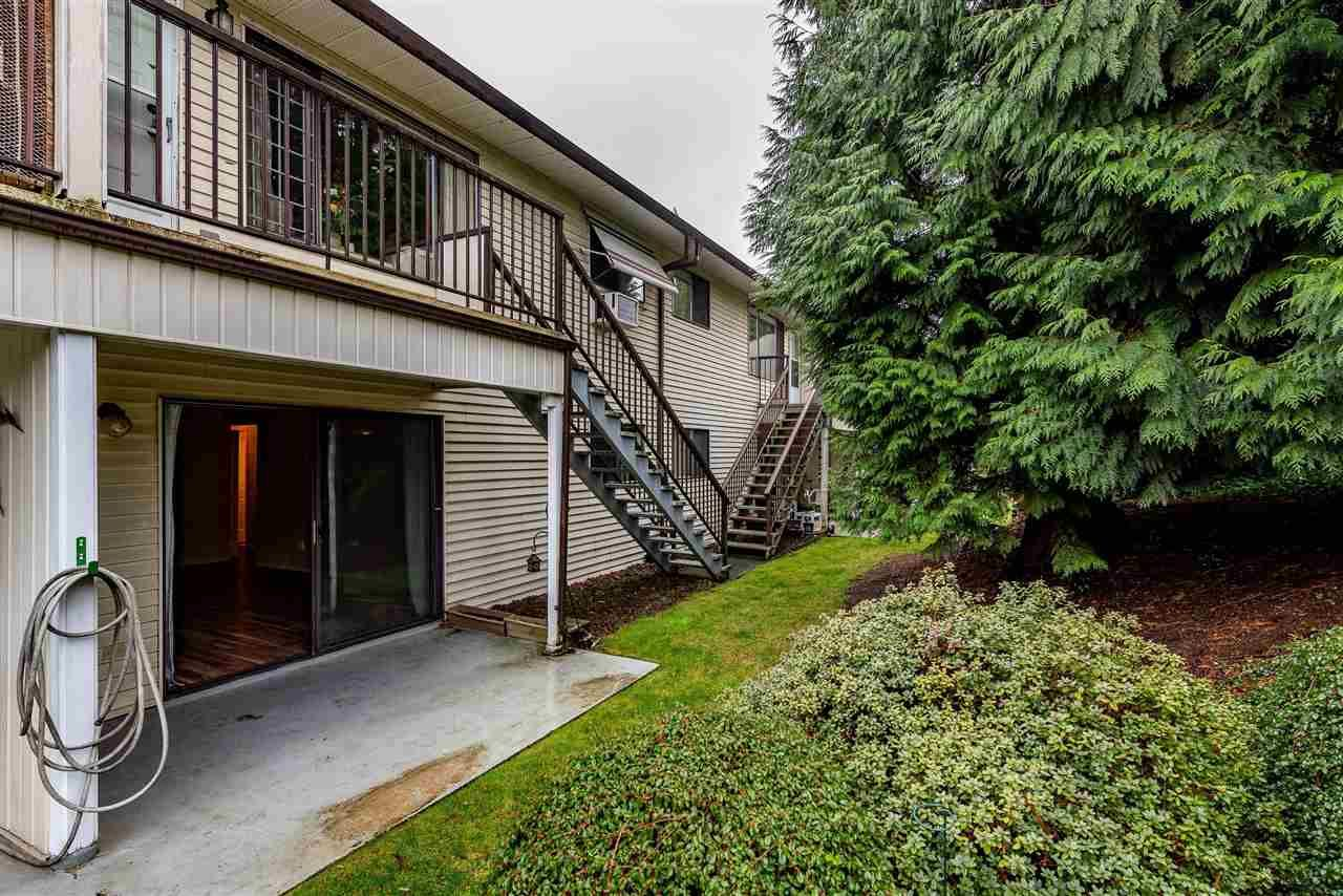 """Photo 18: Photos: 11 32959 GEORGE FERGUSON Way in Abbotsford: Central Abbotsford Townhouse for sale in """"Oakhurst Park"""" : MLS®# R2424531"""