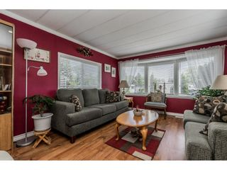 """Photo 3: 141 1840 160 Street in Surrey: King George Corridor Manufactured Home for sale in """"BREAKAWAY BAYS"""" (South Surrey White Rock)  : MLS®# R2367996"""