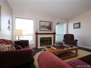 Photo 3: 2123 Ferndale Rd in VICTORIA: SE Gordon Head House for sale (Saanich East)  : MLS®# 664446