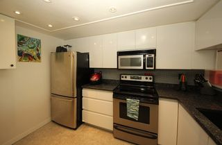 """Photo 5: 1304 1199 EASTWOOD Street in Coquitlam: North Coquitlam Condo for sale in """"THE SELKIRK"""" : MLS®# R2166032"""
