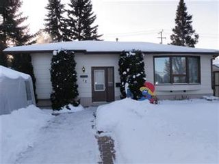 Photo 1: 28 Murphy Crescent in Saskatoon: Nutana Park Single Family Dwelling for sale (Saskatoon Area 02)  : MLS®# 387830