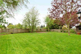 """Photo 18: 6337 SUNDANCE Drive in Surrey: Cloverdale BC House for sale in """"Cloverdale"""" (Cloverdale)  : MLS®# R2056445"""