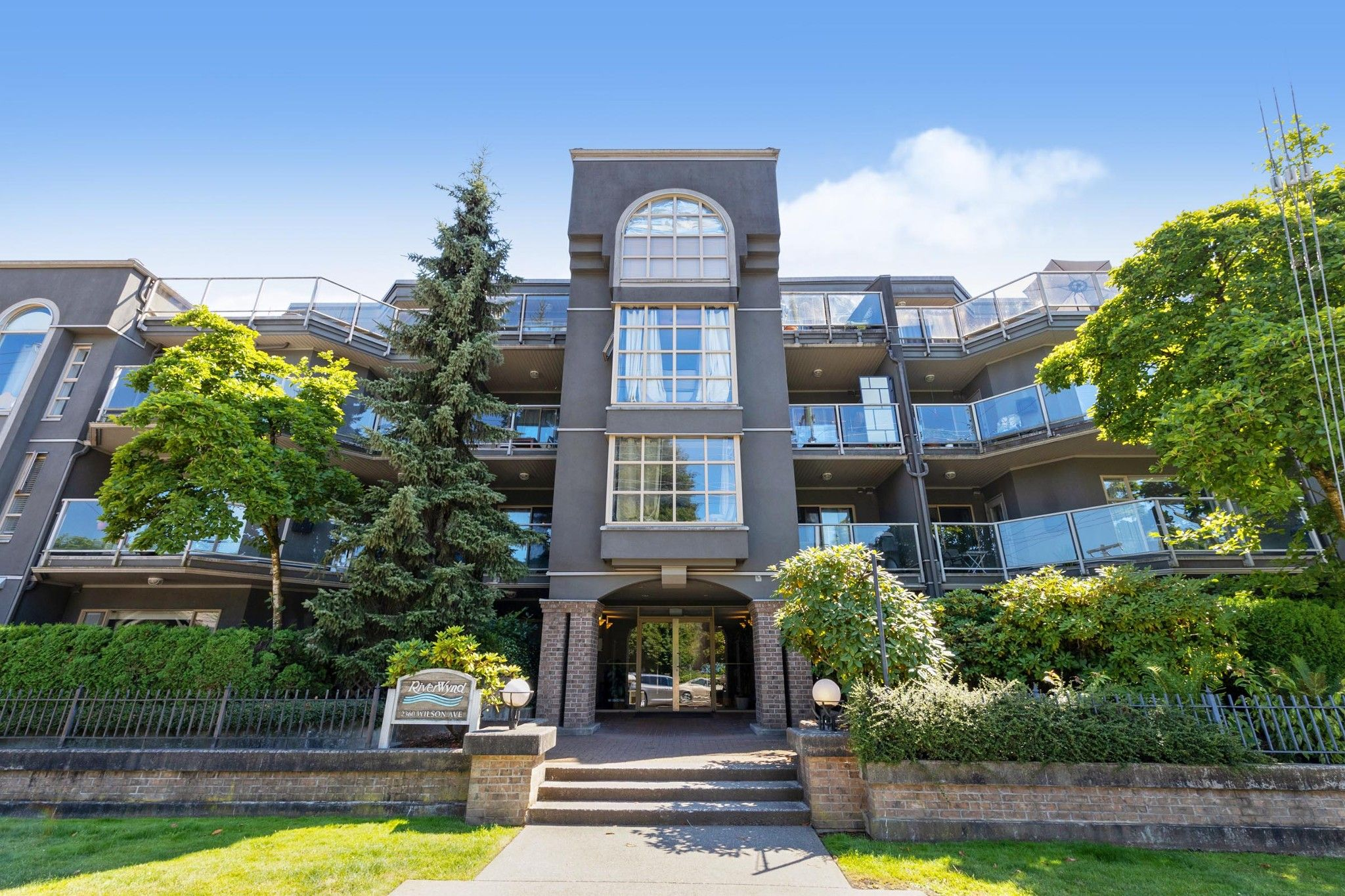 """Main Photo: 404 2360 WILSON Avenue in Port Coquitlam: Central Pt Coquitlam Condo for sale in """"RIVERWYND"""" : MLS®# R2602179"""