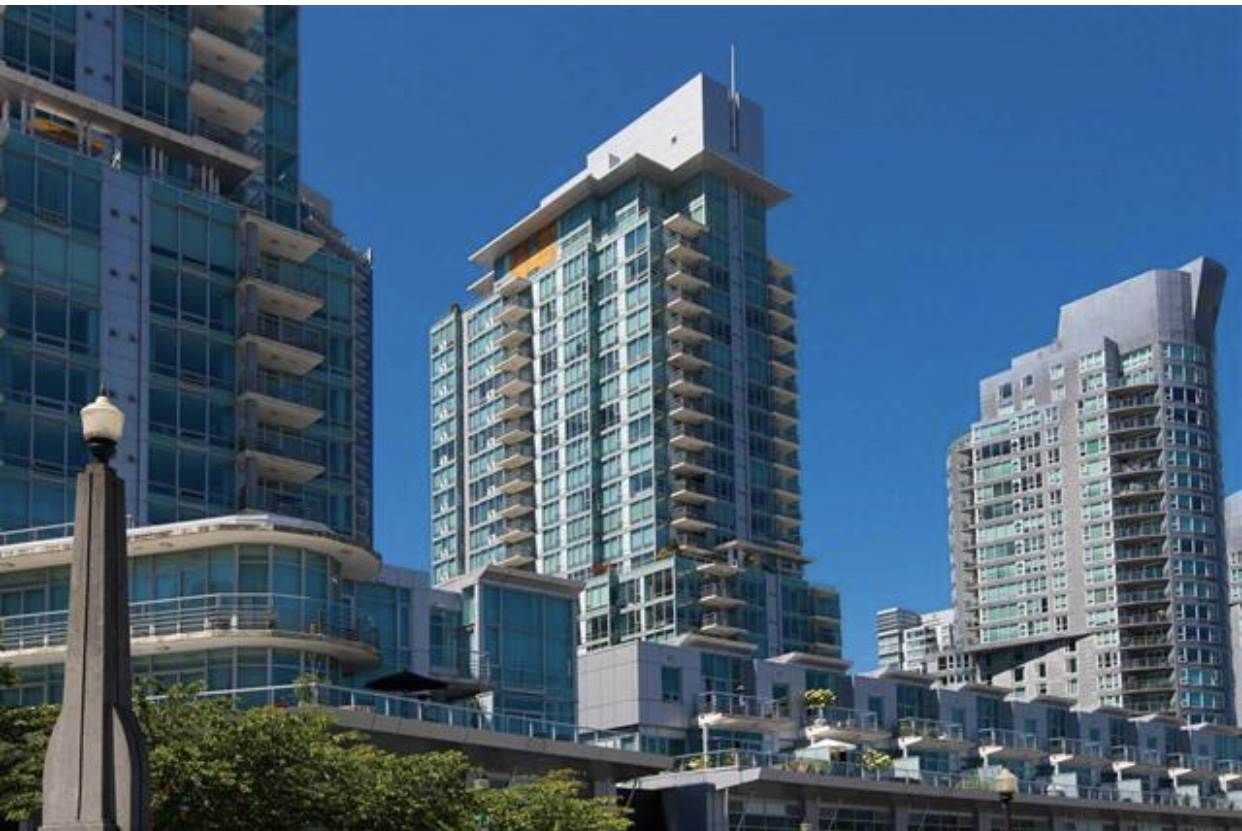 """Main Photo: 2303 590 NICOLA Street in Vancouver: Coal Harbour Condo for sale in """"CASCINA"""" (Vancouver West)  : MLS®# R2587665"""