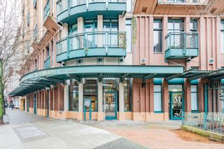 """Photo 2: 619 22 E CORDOVA Street in Vancouver: Downtown VE Condo for sale in """"Van Horne"""" (Vancouver East)  : MLS®# R2334498"""
