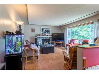 Photo 2: 3140 Lynnlark Pl in VICTORIA: Co Hatley Park House for sale (Colwood)  : MLS®# 734049