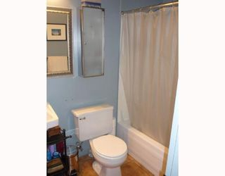 """Photo 9: 305 336 E 1ST Avenue in Vancouver: Mount Pleasant VE Condo for sale in """"ARTECH"""" (Vancouver East)  : MLS®# V749189"""