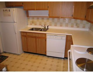 """Photo 4: 904 615 BELMONT Street in New Westminster: Uptown NW Condo for sale in """"BELMONT TOWERS"""" : MLS®# V797243"""