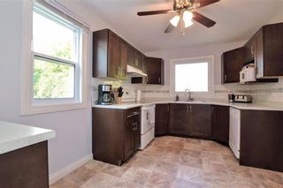 Photo 10: 300 Leighton Avenue in Winnipeg: North Kildonan Residential for sale (3F)  : MLS®# 202122047