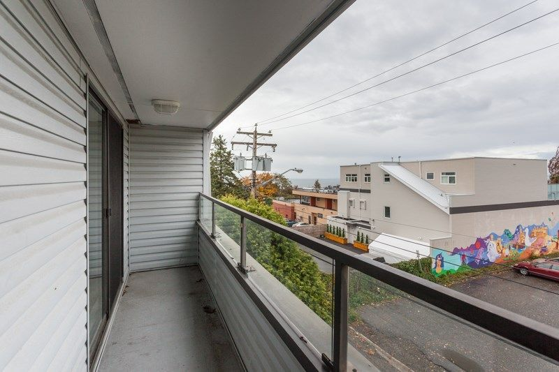"""Photo 10: Photos: 305 1341 GEORGE Street: White Rock Condo for sale in """"OCEANVIEW"""" (South Surrey White Rock)  : MLS®# R2215870"""