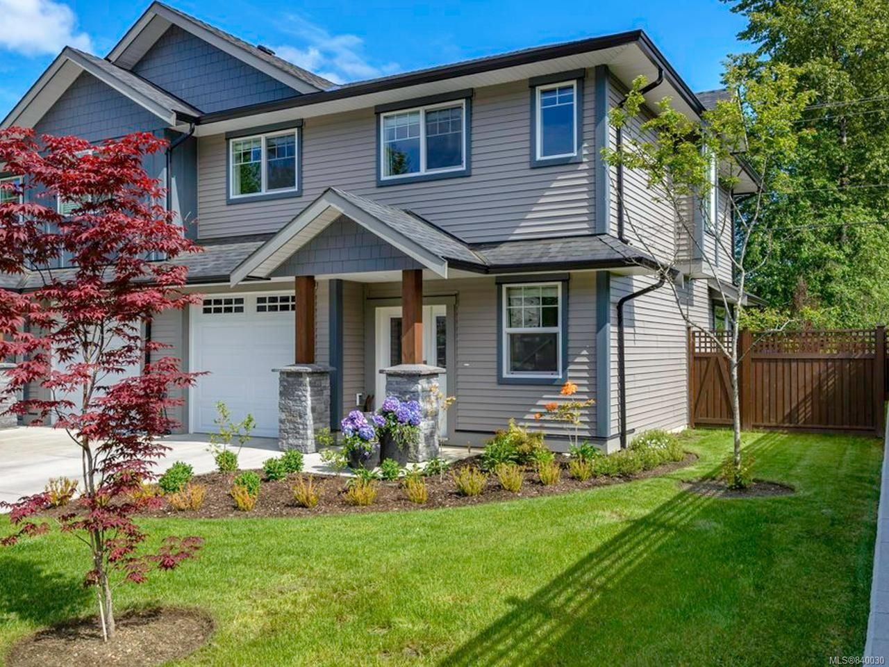 Main Photo: 123 2077 20th St in COURTENAY: CV Courtenay City Row/Townhouse for sale (Comox Valley)  : MLS®# 840030