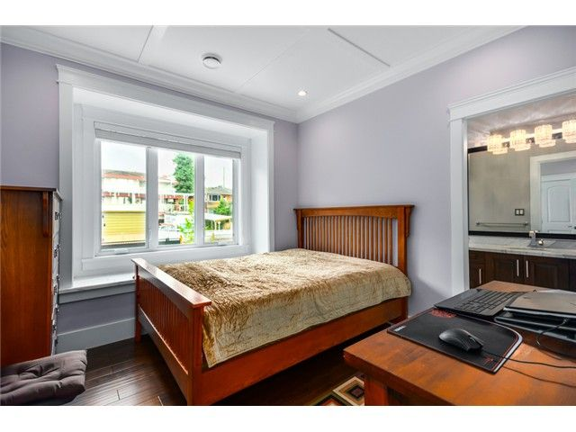 Photo 14: Photos: 4791 CLINTON ST in Burnaby: South Slope House for sale (Burnaby South)  : MLS®# V1084047
