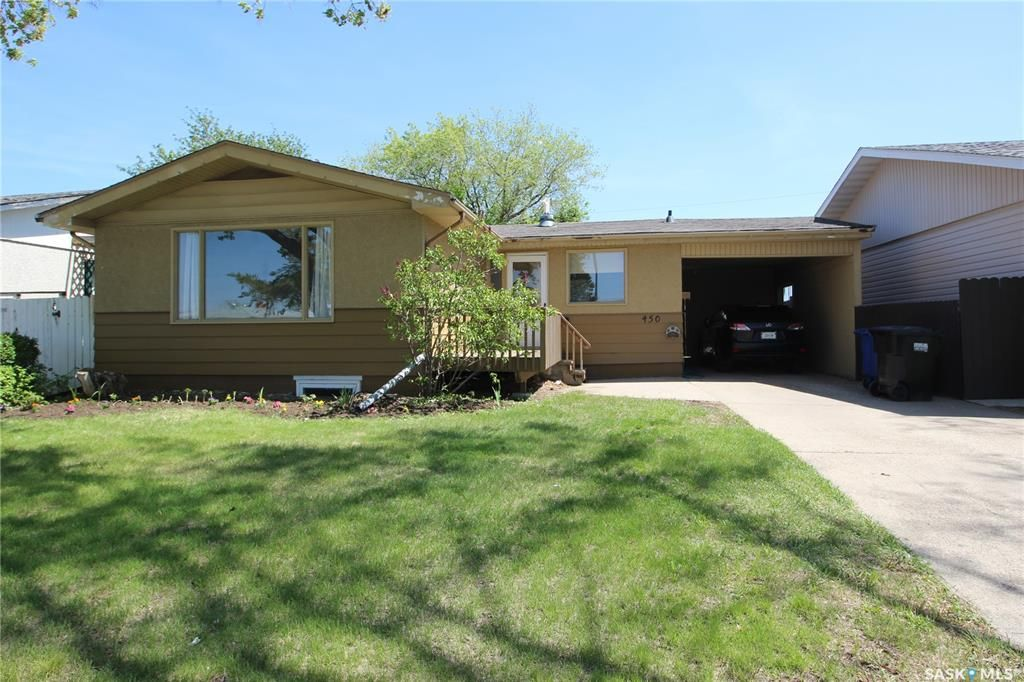 Main Photo: 450 Vancouver Avenue North in Saskatoon: Mount Royal SA Residential for sale : MLS®# SK860864