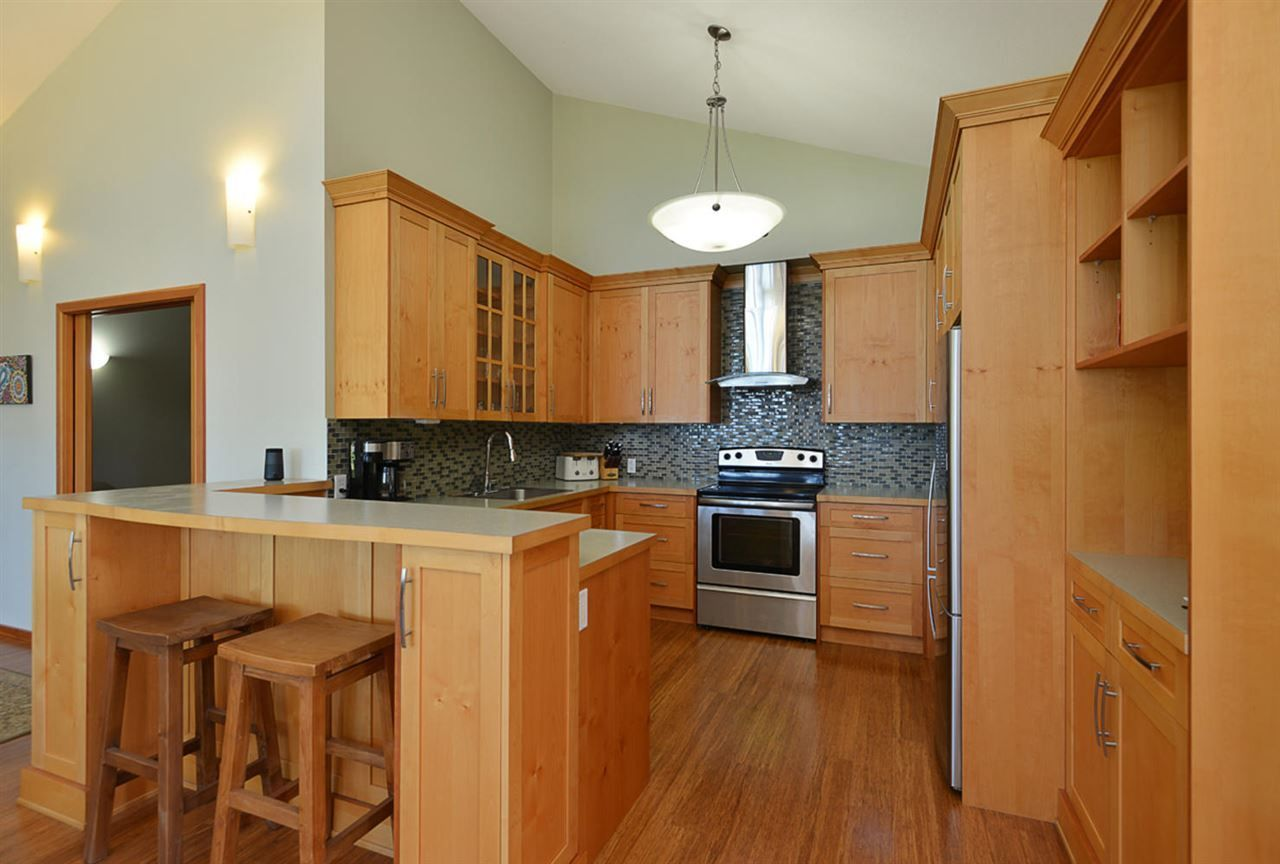 Photo 6: Photos: 505 MAPLE Street in Gibsons: Gibsons & Area House for sale (Sunshine Coast)  : MLS®# R2293109