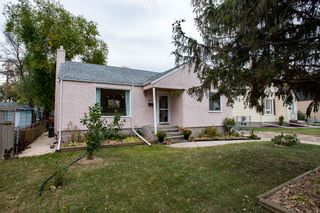Photo 1: 411 Conway Street in Winnipeg: Deer Lodge Residential for sale (5E)  : MLS®# 202025312