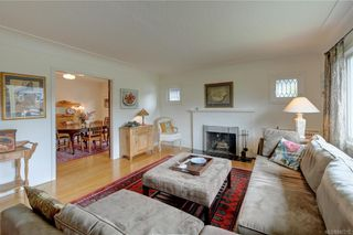 Photo 4: 121 Howe St in Victoria: Vi Fairfield West House for sale : MLS®# 842212