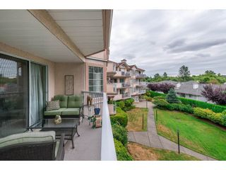 """Photo 18: 208 5375 205 Street in Langley: Langley City Condo for sale in """"GLENMONT PARK"""" : MLS®# R2295267"""