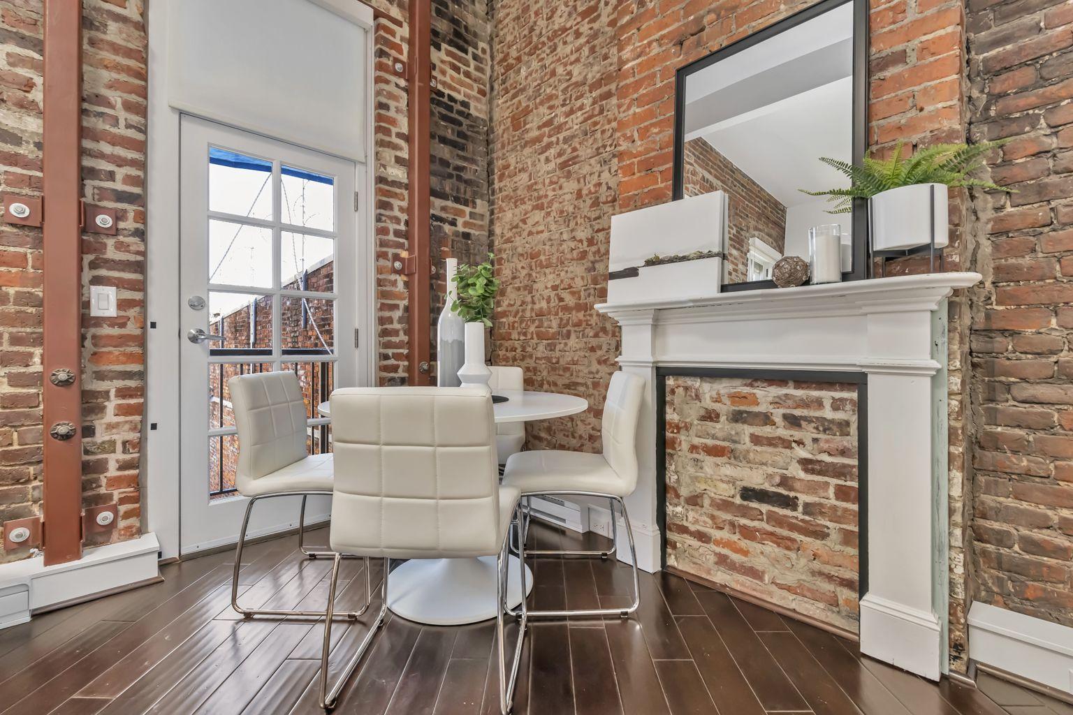 Main Photo: 217 562 Yates St in Victoria: Vi Downtown Condo for sale : MLS®# 845154