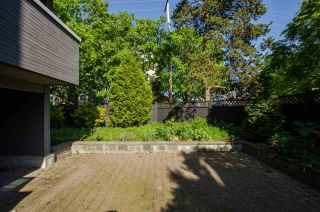 """Photo 15: 102 2885 SPRUCE Street in Vancouver: Fairview VW Condo for sale in """"Fairview Gardens"""" (Vancouver West)  : MLS®# R2267756"""