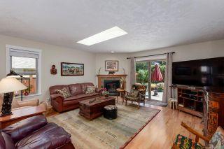 Photo 2: 1253 Gardener Way in : CV Comox (Town of) House for sale (Comox Valley)  : MLS®# 850175