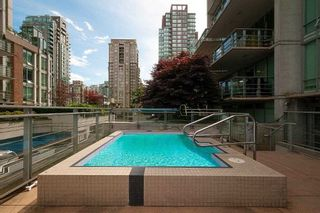 """Photo 18: 901 565 SMITHE Street in Vancouver: Downtown VW Condo for sale in """"VITA"""" (Vancouver West)  : MLS®# R2389668"""