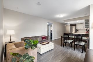 """Photo 4: 328 1783 MANITOBA Street in Vancouver: False Creek Condo for sale in """"Residences at West"""" (Vancouver West)  : MLS®# R2617799"""