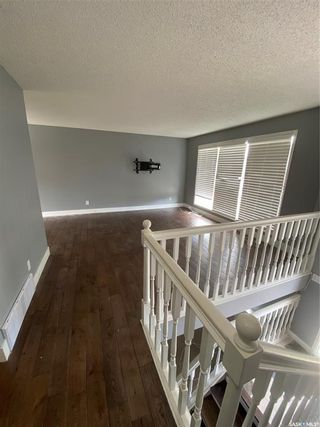 Photo 3: 727 Lenore Drive in Saskatoon: Lawson Heights Residential for sale : MLS®# SK860449