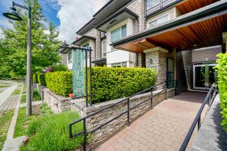 Photo 3: 302 7428 BYRNEPARK WALK in Burnaby: South Slope Condo for sale (Burnaby South)  : MLS®# R2458762