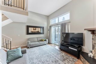 Photo 11: 108 Glamis Terrace SW in Calgary: Glamorgan Row/Townhouse for sale : MLS®# A1070053