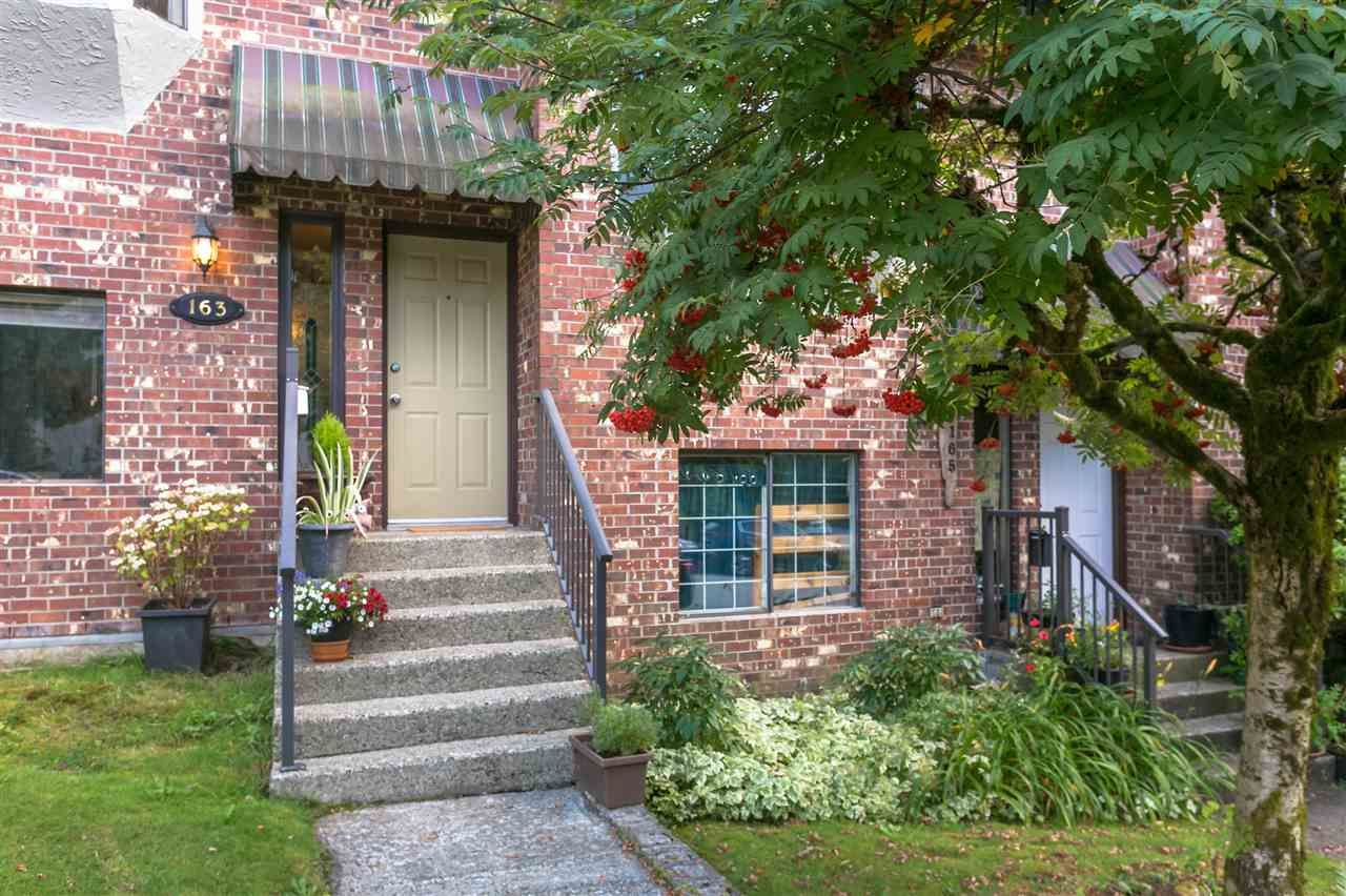 Main Photo: 163 W 20TH Street in North Vancouver: Central Lonsdale Townhouse for sale : MLS®# R2485708