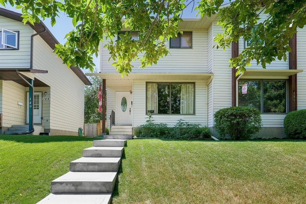 Main Photo: 147 BERWICK Way NW in Calgary: Beddington Heights Semi Detached for sale : MLS®# A1040533