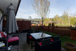 """Photo 12: 28 40632 GOVERNMENT Road in Squamish: Brackendale Townhouse for sale in """"RIVERSWALK"""" : MLS®# R2261504"""