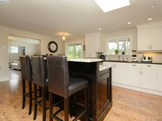 Photo 10: 11170 Heather Rd in NORTH SAANICH: NS Lands End House for sale (North Saanich)  : MLS®# 789964