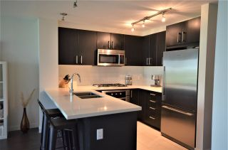 """Photo 2: 320 3163 RIVERWALK Avenue in Vancouver: South Marine Condo for sale in """"NEW WATER BY POLYGON"""" (Vancouver East)  : MLS®# R2455725"""