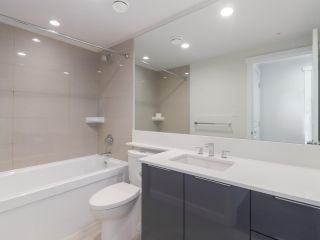 Photo 16: 506 3096 WINDSOR Gate in Coquitlam: New Horizons Condo for sale : MLS®# R2479633