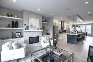 Photo 2: 1135 18 Avenue NW in Calgary: Capitol Hill Semi Detached for sale : MLS®# A1109034