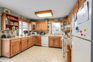 Photo 5: 638 ROBINSON Street in Coquitlam: Coquitlam West House for sale : MLS®# R2230447