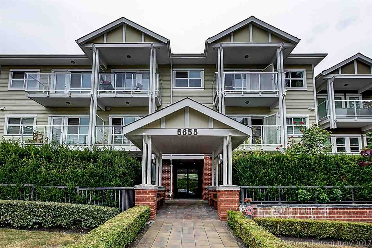 Main Photo: 304 5655 INMAN AVENUE in Burnaby: Central Park BS Condo for sale (Burnaby South)  : MLS®# R2189454
