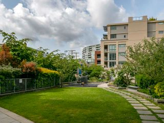 """Photo 29: 1839 CROWE Street in Vancouver: False Creek Townhouse for sale in """"FOUNDRY"""" (Vancouver West)  : MLS®# R2277227"""