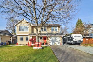 Photo 1: 9161 212A Place in Langley: Walnut Grove House for sale : MLS®# R2417929