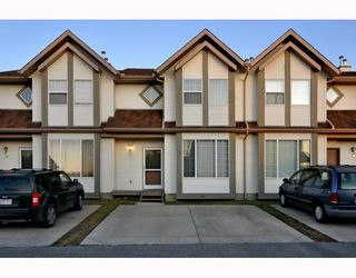 Photo 2: 36 SHAWBROOKE Court SW in CALGARY: Shawnessy Townhouse for sale (Calgary)  : MLS®# C3401716