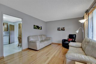 Photo 2: 636 Sneddon Street in Regina: Mount Royal RG Residential for sale : MLS®# SK852647