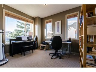 Photo 10: 76 STRATHLEA Place SW in Calgary: Strathcona Park House for sale : MLS®# C4092293