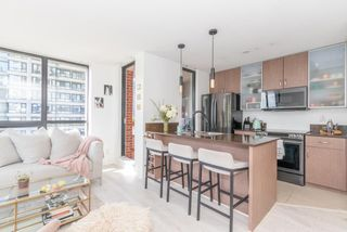 """Photo 11: 604 909 MAINLAND Street in Vancouver: Yaletown Condo for sale in """"YAELTOWN PARK II"""" (Vancouver West)  : MLS®# R2617490"""