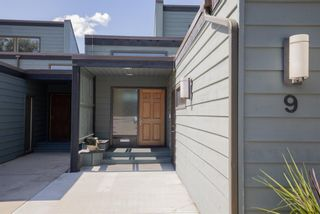 Photo 2:  in Calgary: Varsity Row/Townhouse for sale : MLS®# A1142150