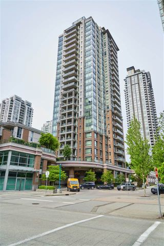 "Photo 1: 909 1155 THE HIGH Street in Coquitlam: North Coquitlam Condo for sale in ""M ONE"" : MLS®# R2362206"