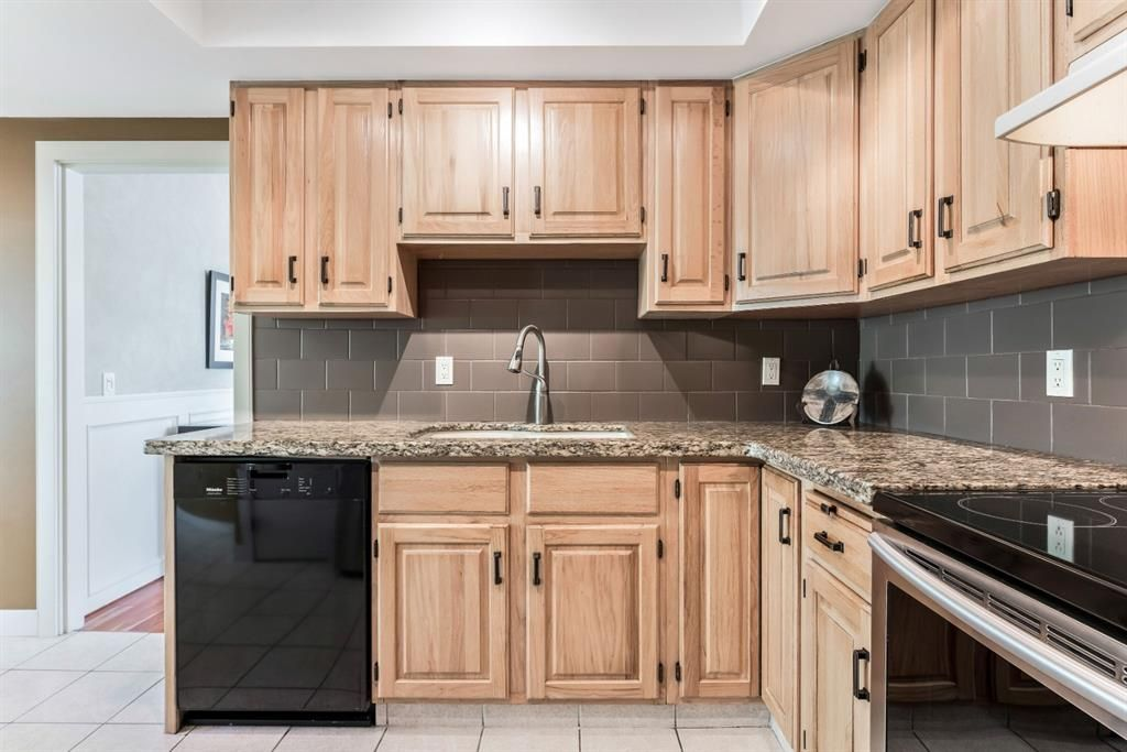 Photo 19: Photos: 84 WOODBROOK Close SW in Calgary: Woodbine Detached for sale : MLS®# A1037845