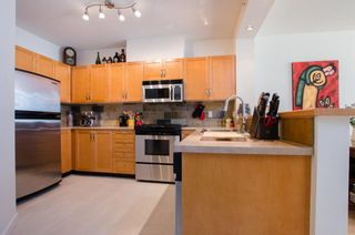 Photo 7: 215 2263 REDBUD Lane in Vancouver West: Home for sale : MLS®# R2185495