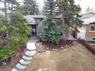 Photo 1: 28 Glacier Place SW in Calgary: Glamorgan Detached for sale : MLS®# A1091436
